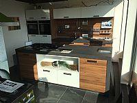 Luxe eiland keuken met top apparatuur