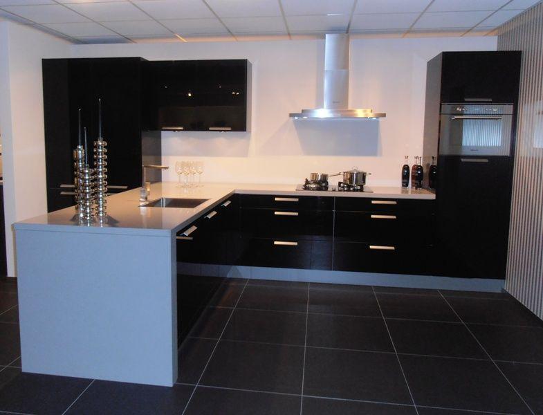 Hoogglans Zwart Keuken : Keukens.nl3 hoogglans zwarte eilandkeuken [50427]